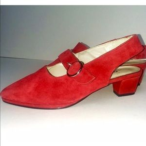 Chinese Laundry size 7 red suede pumps low heel